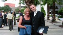 Erling og mamma fyrir utan Orlando Expo Center